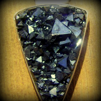 Native magnetite